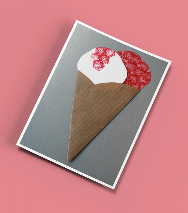 Postkort - Kollage med papir og stempler.
